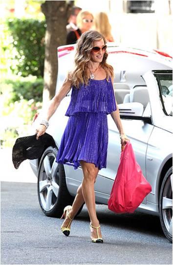 SATC2_Carrie_purple dress_01