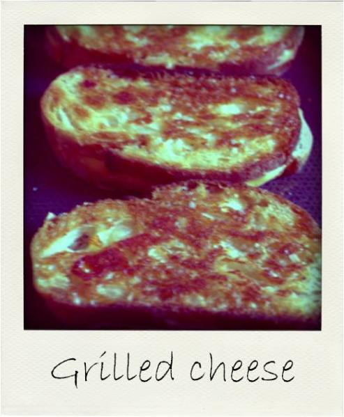Grilled cheese pola